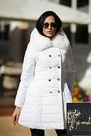 Зимняя куртка на двубортной застежке с меховым воротником