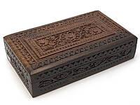 Резная деревянная шкатулка