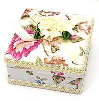 Подарочная шкатулка с цветами для бижутерии