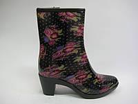 Резиновые сапожки на каблуке