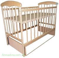 Кроватка детская фабричная с маятником