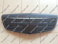 Решетка радиатора (черная матовая) Mercedes W221
