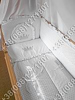 Детское постельное белье в кроватку с вышивкой Корона, комплект 7 ед.