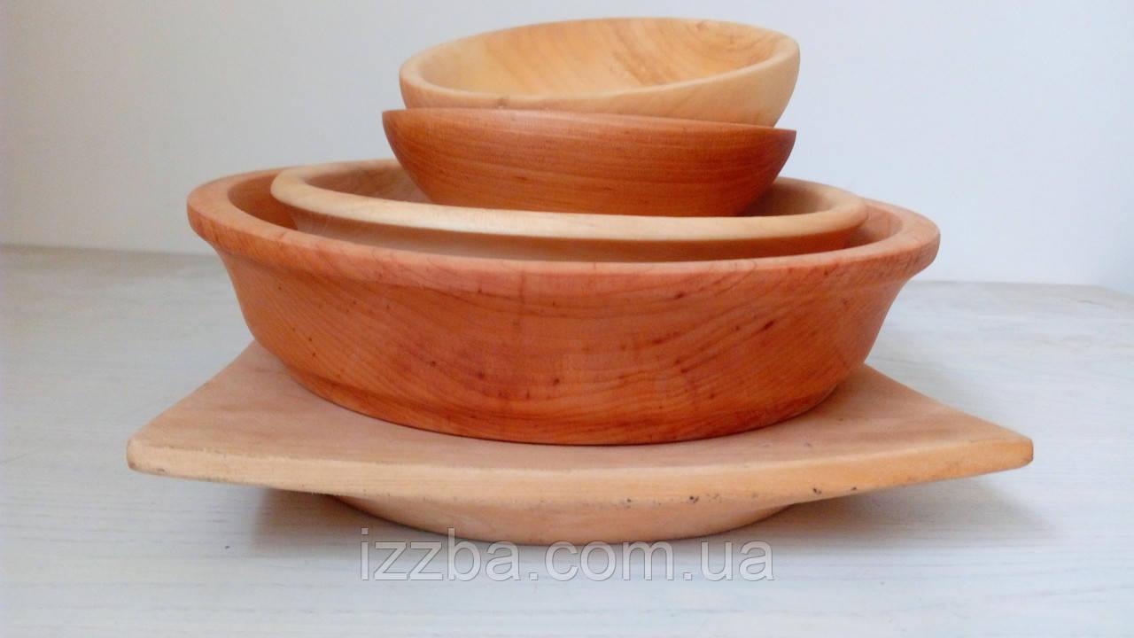 Посуда из разных пород дерева. Набор посуды из дерева