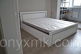Кровать 2х -спальная белая с серебристыми вставками