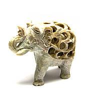 Слон из мыльного камня резной 7,5х9,5х4,5см (26618)