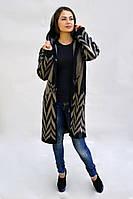 Женская куртка в модный рисунок елочка