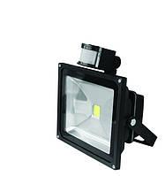 Прожектор EUROELECTRIC LED COB с датчиком движения 30W 6500K (LED-FL-30(sensor))