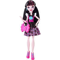 Monster High Дракулаура Первый день в школе First Day of School Draculaura Doll