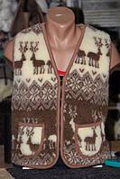 Теплая жилетка из овечьей шерсти - коричневые олени