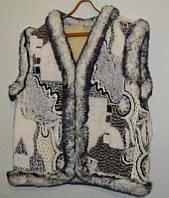 Тепла жилетка жіноча з овечої вовни - абстракція