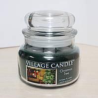 """Ароматическая свеча в стекле Village Candle """"Новогодняя елка"""". 315 гр/ 55 часов"""