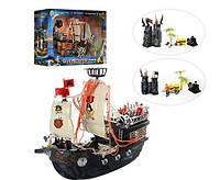 Пиратский корабль с замком, 4 фигурки, пушка