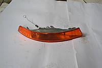Поворотник правый 2001-2006 на Renault Trafic