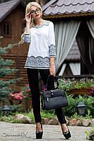 Стильная блуза, выполненная из облегченных материалов, декор художественными элементами РАЗНЫЕ ЦВЕТА!