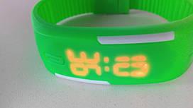 Наручний годинник - браслет Sport green
