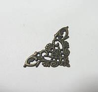 Уголок декоративный-2, бронза, 3,5х3,5см