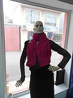 Малиновый шарф из ткани-жатки