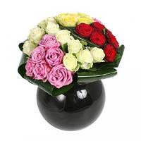 Букет из роз различных цветов