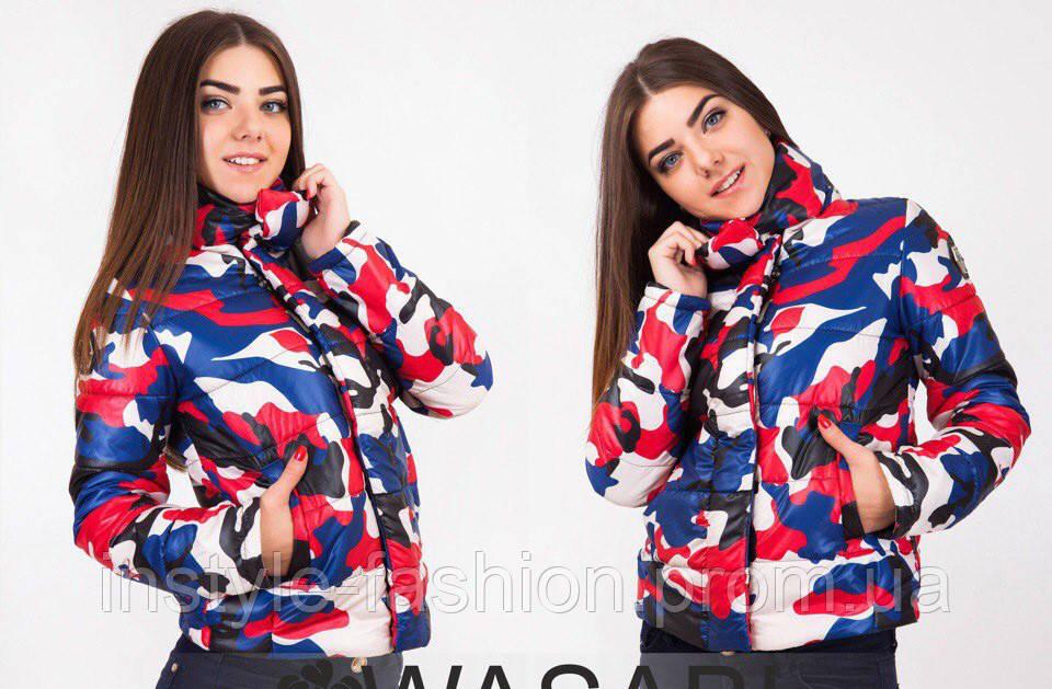 Женская стильная куртка Philipp Plein с военным принтом красная