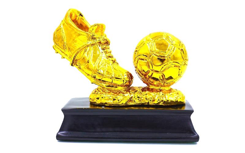Статуэтка наградная Бутса с мячем золотая (8 см)