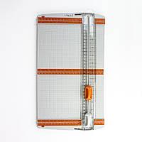 Tonic studios Триммер Резак для бумаги + биговка 31х31см