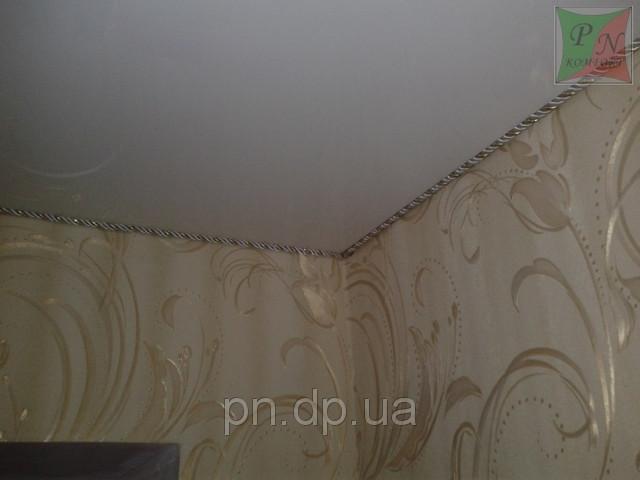 Натяжные потолки с декоративным шнуром