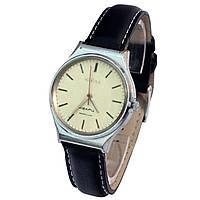 Советские кварцевые часы Чайка