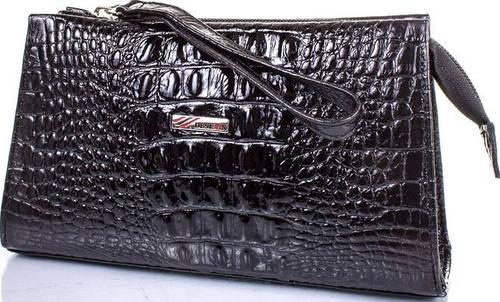 Классическая женская косметичка из лакированной кожи с тиснением под крокодил DESISAN SHI065-583 черный
