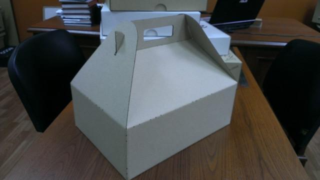 Коробка с ручками 310х220х110, бурая