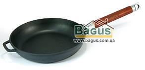 Сковорода чугунная 22х4,5см с деревянной съемной ручкой, посуда чугунная Биол (0122)