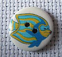 Пуговица деревянная декоративная, рыбка