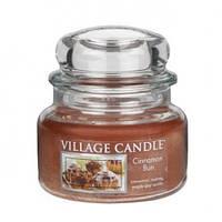 """Ароматическая свеча в стекле Village Candle """"Булочка с корицей"""". 315 гр/ 55 часов"""