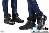 Модные женские ботинки JIULAI Black из экокожи с оригинальными меховыми отворотами и блестящей пряжкой черные