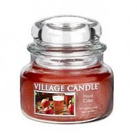 """Ароматическая свеча в стекле Village Candle """"Яблочный сидр"""". 315 гр/ 55 часов"""