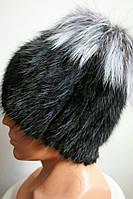 Теплая женская шапка черно - белого цвета из меха кролика