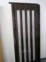 Дверь гармошка остекленная с декором орех 7103 с башенкой