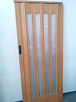 Дверь гармошка остекленная с декором вишня 501 с башенкой