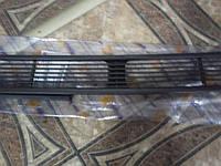 Решотка декоративная на капот Sprinter TDI 95-