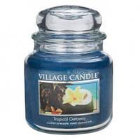 """Ароматическая свеча в стекле Village Candle """"Тропики"""". 455 гр/ 105 часов"""