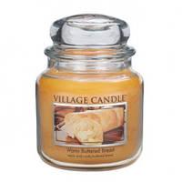 """Ароматическая свеча в стекле Village Candle """"Теплый хлеб"""". 455 гр/ 105 часов"""