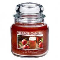 """Ароматическая свеча в стекле Village Candle """"Яблочный сидр"""". 455 гр/ 105 часов"""
