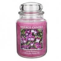 """Ароматическая свеча в стекле Village Candle """"Фиолетовый цветок"""". 740 гр/ 170 часов"""