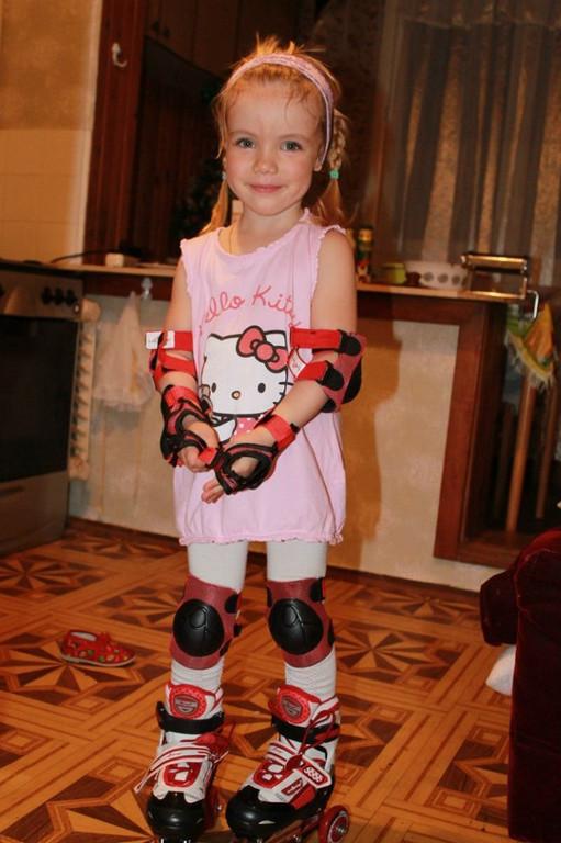 Роликовые коньки для маленькой принцессы Полиночки!