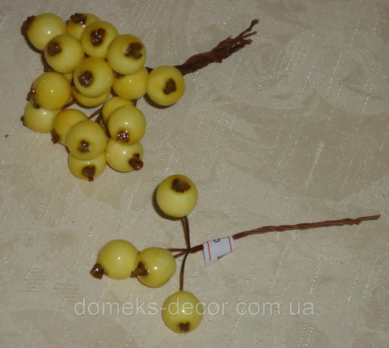 Искусственные ягоды глода бледно-желтые 4 шт, фото 1