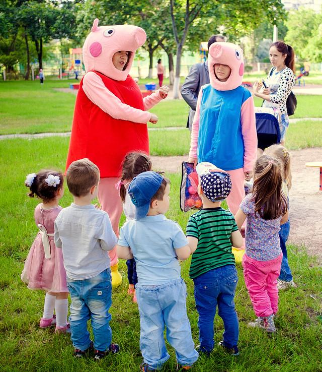 Свинка  анииматоры на детские праздники киев,свинка