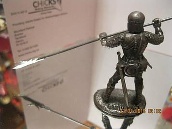 Воєн фігурка статуетка лицар метал з пікою в обладунках сувенір