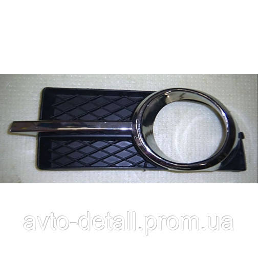 Накладка противотуманной фары левая Авео 3 (хром)