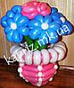 Оригинальный букет в вазе из шаров из 6 ромашек и 1 роза