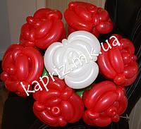 Букет из шаров из 7 роз